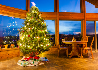 Should Sellers Decorate Their Home For The Holidays