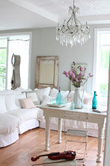 The Rustic and Shabby-Chic Style by Dreamy Whites